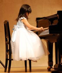 akane-piano.jpg